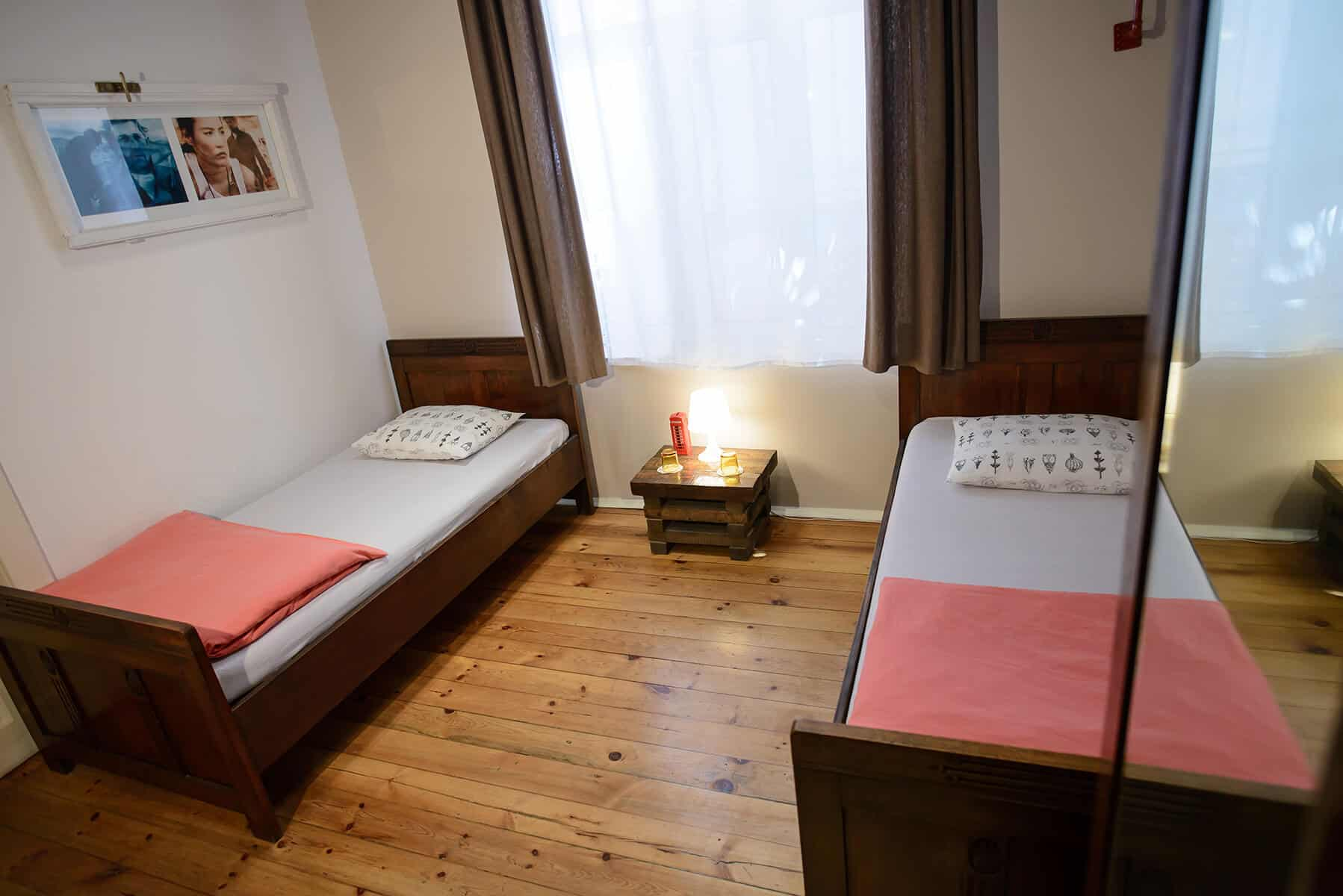 book-twin-deluxe-room-sofia